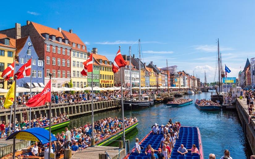 שייט בתעלות של קופנהגן - אטרקציה לצעירים